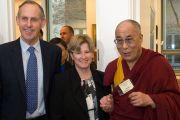 Его Святейшество Далай-лама, сенатор Боб Браун и сенатор Кристин Милн на встрече в парламенте Австралии. Канберра, Австралия. 14 июня. Фото: Rusty Stewart/DLIAL