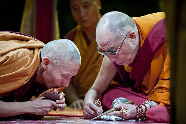Его Святейшество Далай-лама продолжает проводить подготовительные ритуалы Калачакры