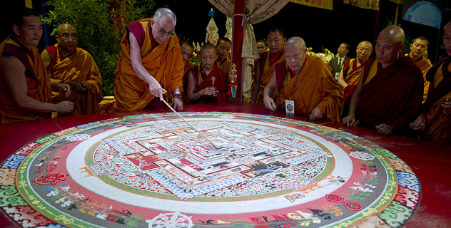 Далай-лама даровал посвящение долгой жизни и встретился с президентом Бараком Обамой