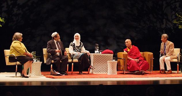 Далай-лама отметил роль религиозных лидеров в пропаганде межрелигиозной гармонии