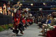 Артисты Тибетского института театральных искусств участвуют в ритуальных танцах Калачакры. Вашингтон, США. 12 июля 2011. Фото: Тензин Чойджор (Офис ЕСДЛ)