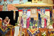 Его Святейшество Далай-лама во время исполнения ритуального танца Калачакры. Вашингтон, США. 12 июля 2011. Фото: Тензин Чойджор (Офис ЕСДЛ)