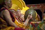 Монахи монастыря Намгьял во время исполнения ритуального танца Калачакры. Вашингтон, США. 12 июля 2011. Фото: Тензин Чойджор (Офис ЕСДЛ)