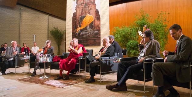 Его Святейшество Далай-лама выступил на конгрессе, посвященном вопросу сосредоточения ума