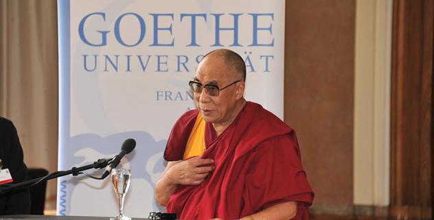 Его Святейшество Далай-лама призывает молодежь сделать 21 век веком миролюбия