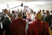 Его Святейшество Далай-лама отвечает на вопросы журналистов. Тулуза, Франция. 15 августа 2011. Фото: Александра Сильва