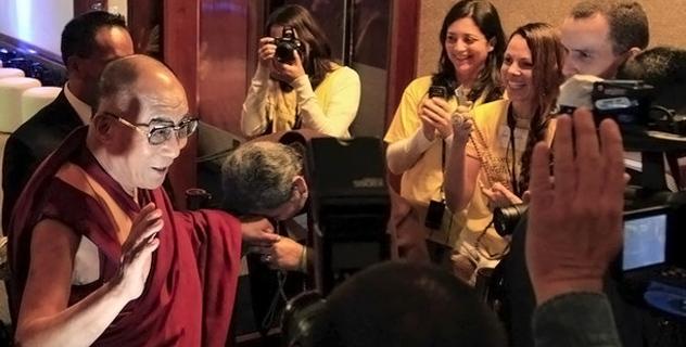 Его Святейшество Далай-лама прибыл в Бразилию и встретился с ведущими предпринимателями и промышленниками