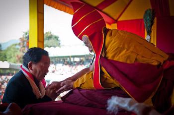 Его Святейшество Далай-лама выразил соболезнования в связи с землетрясением в Сиккиме