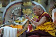 Его Святейшество Далай-лама во время учений в главном тибетском храме в Дхарамсале, Индия. 31 августа 2011. Фото: Abhishek Madhukar