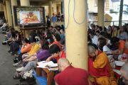 Во время учений Его Святейшества Далай-ламы в главном тибетском храме в Дхарамсале, Индия. 31 августа 2011. Фото: Abhishek Madhukar