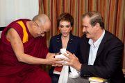 Его Святейшество Далай-лама и бывший президент Мексики Висенте Фокс с супругой. Мехико, Мексика. 10 сентября 2011. Фото: Oscar Fernandez