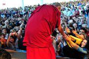После лекции Его Святейшества Далай-ламы «Гармония через всеобщую ответственность». Сан-Паулу, Бразилия. 17 сентября 2011 г.