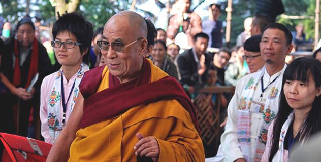 Сотни последователей собрались на учения Далай-ламы в Дхарамсале