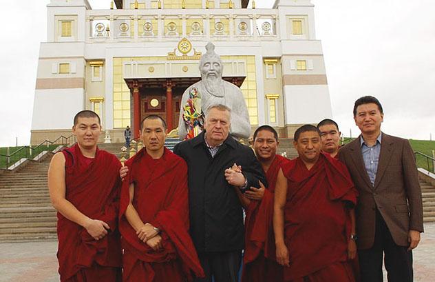 Жириновский заявил о готовности ЛДПР добиваться визы для Далай-ламы