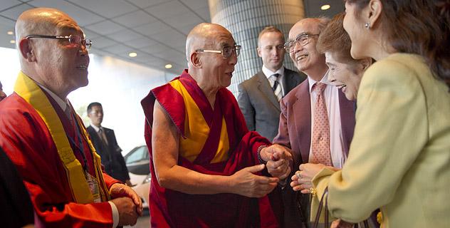 Япония приветствует Его Святейшество Далай-ламу