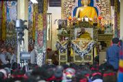 Его Святейшество Далай-лама в главном тибетском храме во время учений, дарованных по просьбе группы буддистов из Кореи. Дхарамсала, Индия. 23 октября 2011. Фото: Тензин Чойджор (Офис ЕСДЛ)