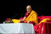 Фоторепортаж с лекции Его Святейшества Далай-ламы в Осаке