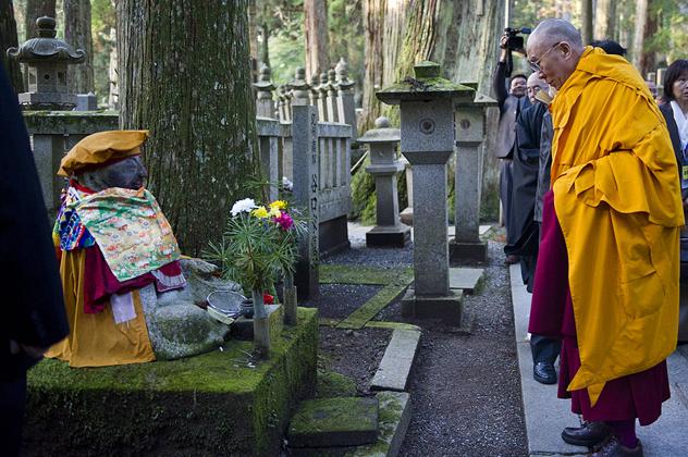 Далай-лама даровал предварительное посвящение Ваджрадхату