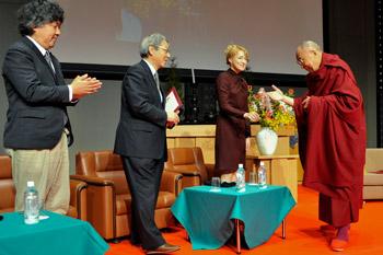 Далай-лама: Китаю предстоит сыграть важную роль в создании процветающего мира