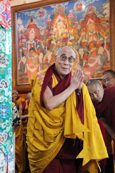 Далай-лама призвал российских буддистов любить своих врагов