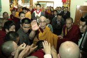 Его Святейшество Далай-лама в монастыре Гьюдмед. Индия, штат Карнатака. 7 декабря 2011. Фото Игоря Янчеглова
