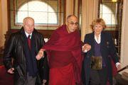 10 декабря 2011 Его Святейшество Далай-лама прибыл в Прагу с трехдневным визитом по приглашению бывшего президента Чешской Республики Вацлава Гавела.