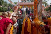 Его Святейшество Далай-лама у ступы Махабодхи в Бодхгае, Индия. 31 декабря 2011. Фото: Тензин Чойджор (офис ЕСДЛ)