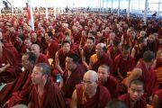 Тибетские монахи на прсвящении Калачакры. Бодхгая, Индия. 1 января 2012. Фото: Игорь Янчеглов