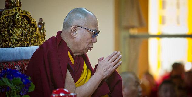 Далай-лама возглавил молебен об ушедшем Богдо-гэгэне IX Джебцзундамбе