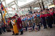 Учащиеся школы Тибетской детской деревни выступают на торжестввенном открытии церемонии, посвященной 53-й годовщине Тибетского народного восстания. Дхарамсала, Индия. 10 марта 2012 г. Фото: Тензин Чойджор (Офис ЕСДЛ)