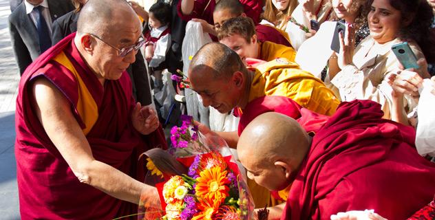 Его Святейшество Далай-лама прибыл в Сан-Диего