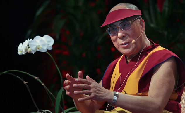 Его Святейшество призвал учащихся развивать сострадание и рассказал о ситуации в Тибете