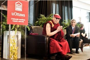 Его Святейшество Далай-лама выступил на открытии Всемирной встречи парламентариев по проблемам Тибета и встретился с премьер-министром Канады