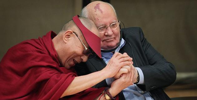 Его Святейшество Далай-лама принял участие в XII Всемирном саммите лауреатов Нобелевской премии мира