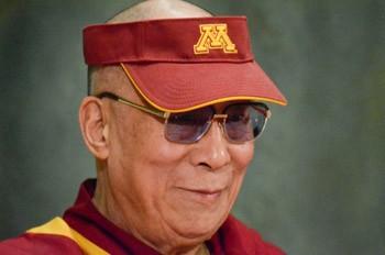 Его Святейшество Далай-лама принял участие в дискуссии об осознанности в клинике Майо