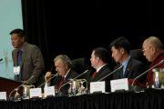 Спикер тибетского парламента в эмиграции Пенпа Церинг выступает на Шестой всемирной встрече парламентариев по проблеме Тибета. Оттава, Канада. 27 апреля 2012 г. Фото: tibetonline.tv