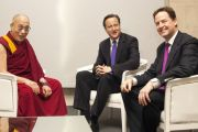 Его Святейшество Далай-лама, премьер-министр Великобритании Дэвид Кэмерон и заместитель премьер-министра Ник Клегг в соборе Св. Павла. Лондон, Великобритания. 14 мая 2012 г. Фото: Clifford Shirley