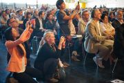 """Во время лекции Его Святейшества Далай-ламы """"Искусство быть счастливым"""". Клагенфурт, Австрия. 20 мая 2012 г. Фото: Тензин Чойджор (Офис ЕСДЛ)"""