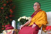 Его Святейшество Далай-лама в институте Йонтен Линг во время встречи с тибетцами и представителями монгольских народностей, живущими в Бенилюксе. Юи, Бельгия. 24 мая 2012 г. Фото: Джереми Рассел (Офис ЕСДЛ)