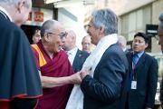 Его Святейшество Далай-лама и канцлер Австрии Вернер Файман. Вена, Австрия. 26 мая 2012 г. Фото: Тензин Чойджор (Офис ЕСДЛ)