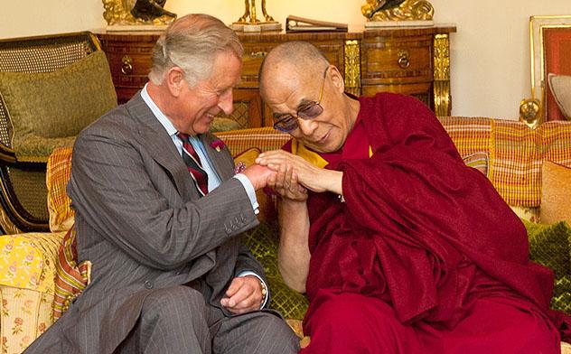 Далай-лама посетил Лондонскую школу экономики, Вестминстерское аббатство, парламент и Кларенс-хаус
