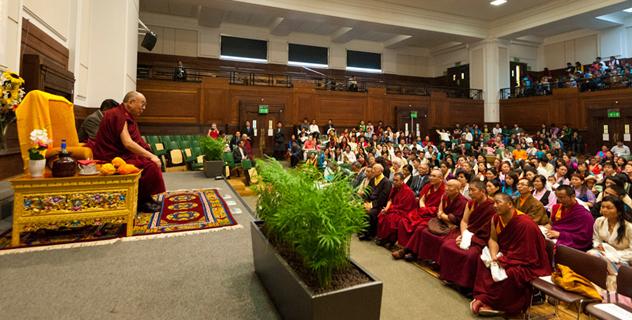 Далай-лама встретился с тибетцами, непальцами и монголами