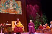 Его Святейшество Далай-лама дарует учения в Манчестере, Великобритания.  17 июня 2012 г. Фото: Джереми Рассел (Офис ЕСДЛ)