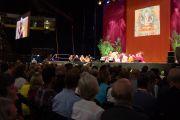 Его Святейшество Далай-лама дарует учения в Манчестере, Великобритания.  18 июня 2012 г. Фото: Джереми Рассел (Офис ЕСДЛ)
