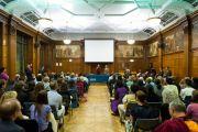 Его Святейшество Далай-лама выступает перед представителями неправительственных организаций и групп поддержки Тибета в Вестминстерском университете в Лондоне. Великобритания. 19 июня 2012 г. Фото: Ян Камминг