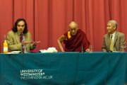 """Его Святейшество Далай-лама во время лекции """"Демократические ценности и Тибет"""" в Вестминстерском университете в Лондоне, Великобритания. 19 июня 2012 г. Фото: Ян Камминг"""
