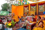 Его Святейшество Далай-лама читает лекцию на футбольном стадионе в Альдершоте, Великобритания. 21 июня 2012 г. Фото: Ian Cumming