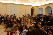 На пресс-конференции Его Святейшества Далай-ламы и лауреата Нобелевской премии мира Бетти Уильямс. Матера, Италия. 24 июня 2012 г. Фото: Тони Вече