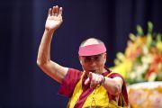 Его Святейшество Далай-лама во время публичной лекции. Милан, Италия. 28 июня 2012 г. Фото: Тензин Чойджор (Офис ЕСДЛ)