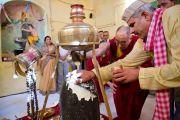 Его Святейшество Далай-лама в храме Шивы в Шринагаре. Штат Джаму и Кашмир, Индия. 17 июля 2012 г. Фото: Тензин Чойджор (Офис ЕСДЛ)